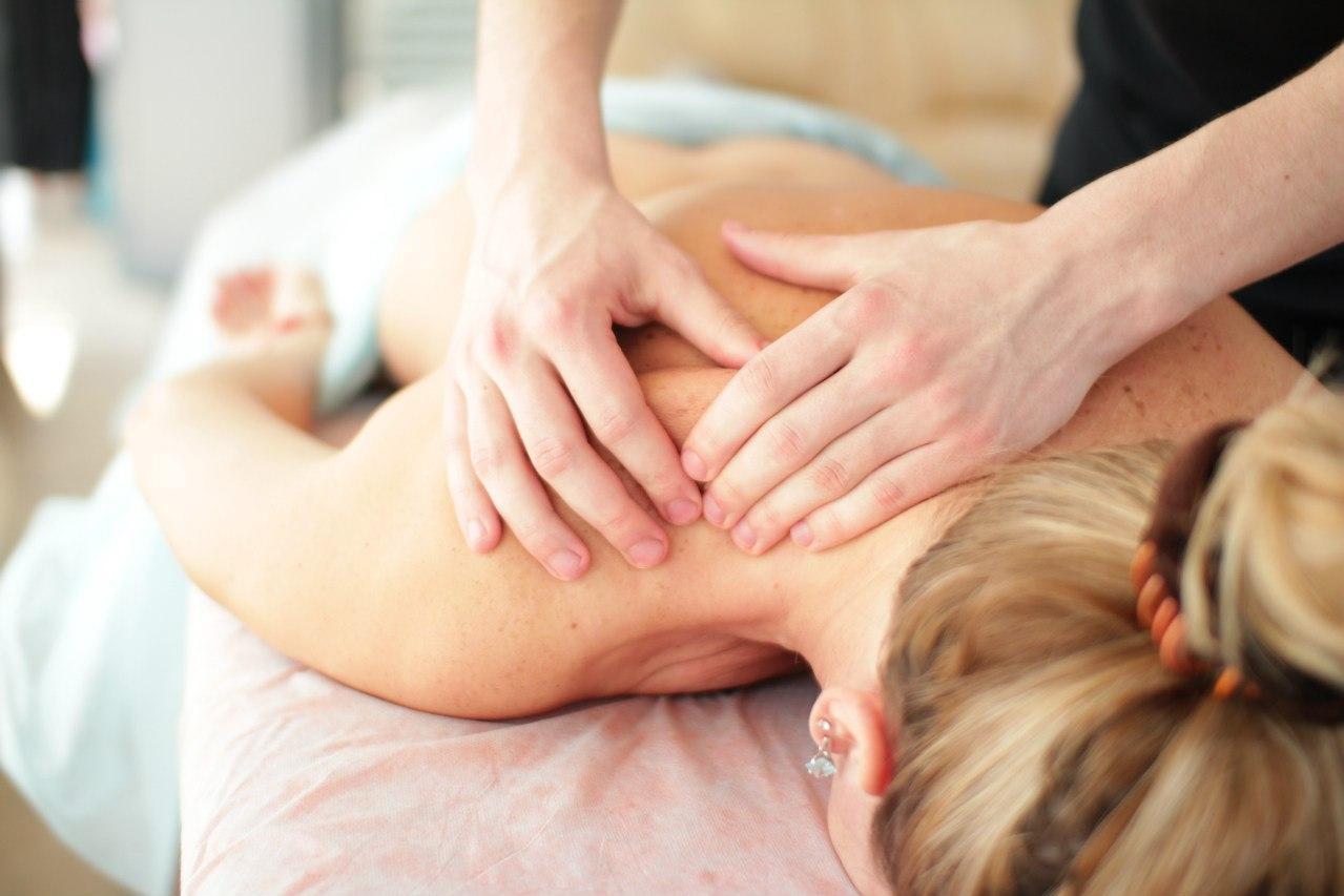 Как делать массаж спины расслабляющий фото
