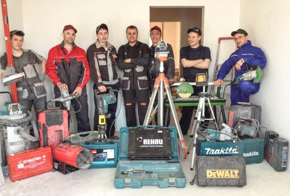 Найти бригаду мастеров по ремонту квартир