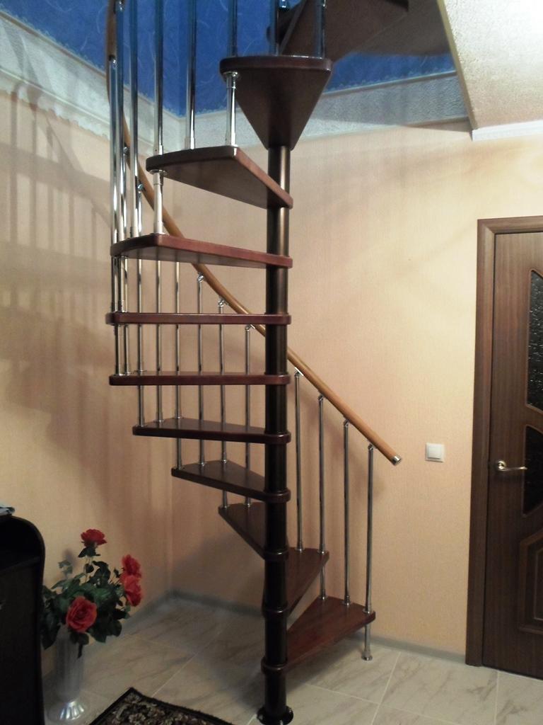 Винтовые лестницы на второй этаж в частном доме своими руками схема фото