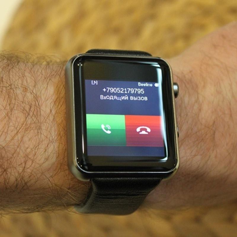 Чтобы зарядить apple watch применяют специальный кабель и адаптер питания, подключённый к электросети.