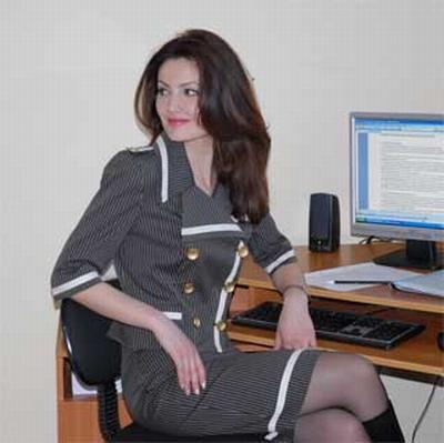 Фото женщины в офисе