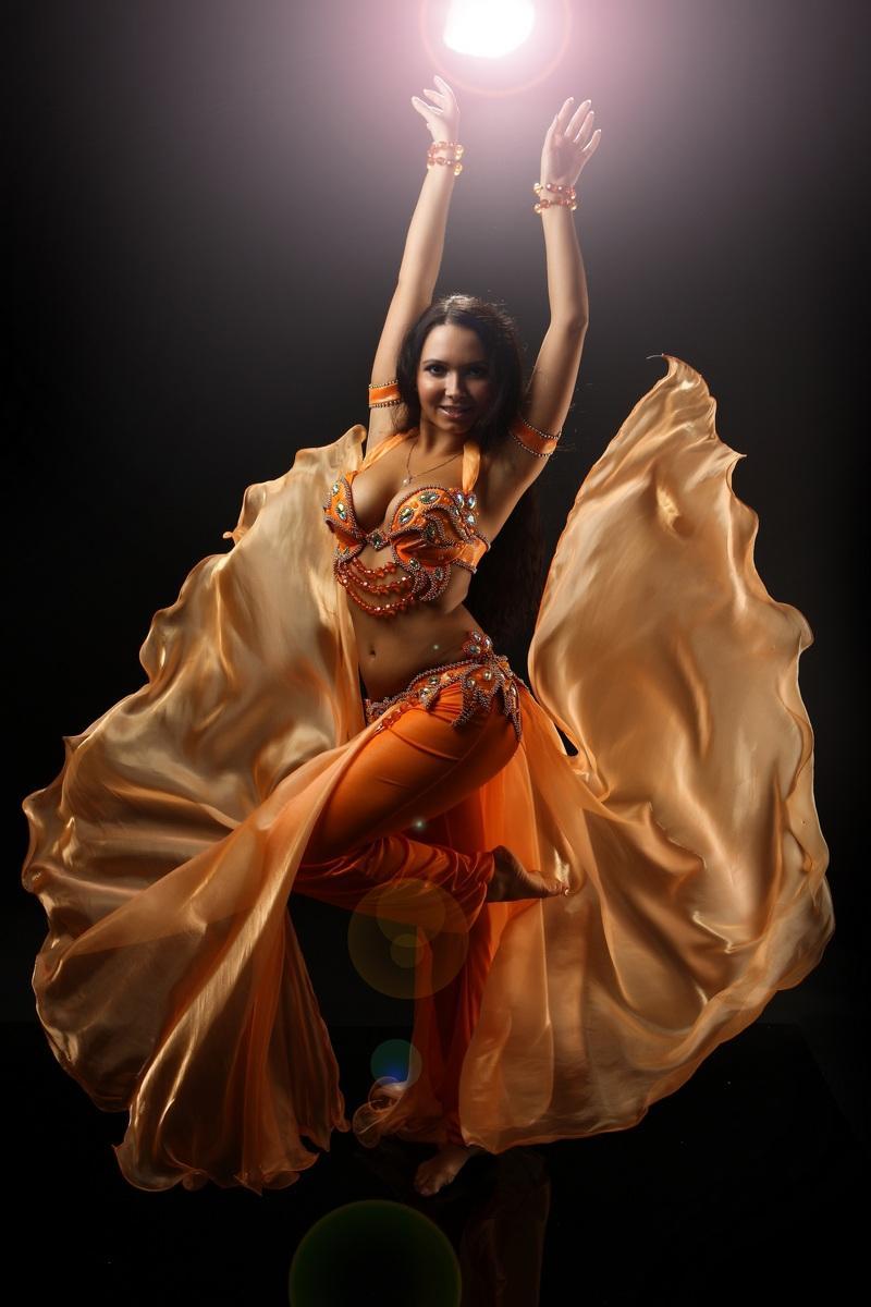 Поздравления с восточными танцами