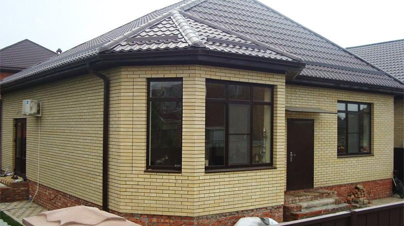 Как построить дом из кирпича одноэтажный своими руками недорого