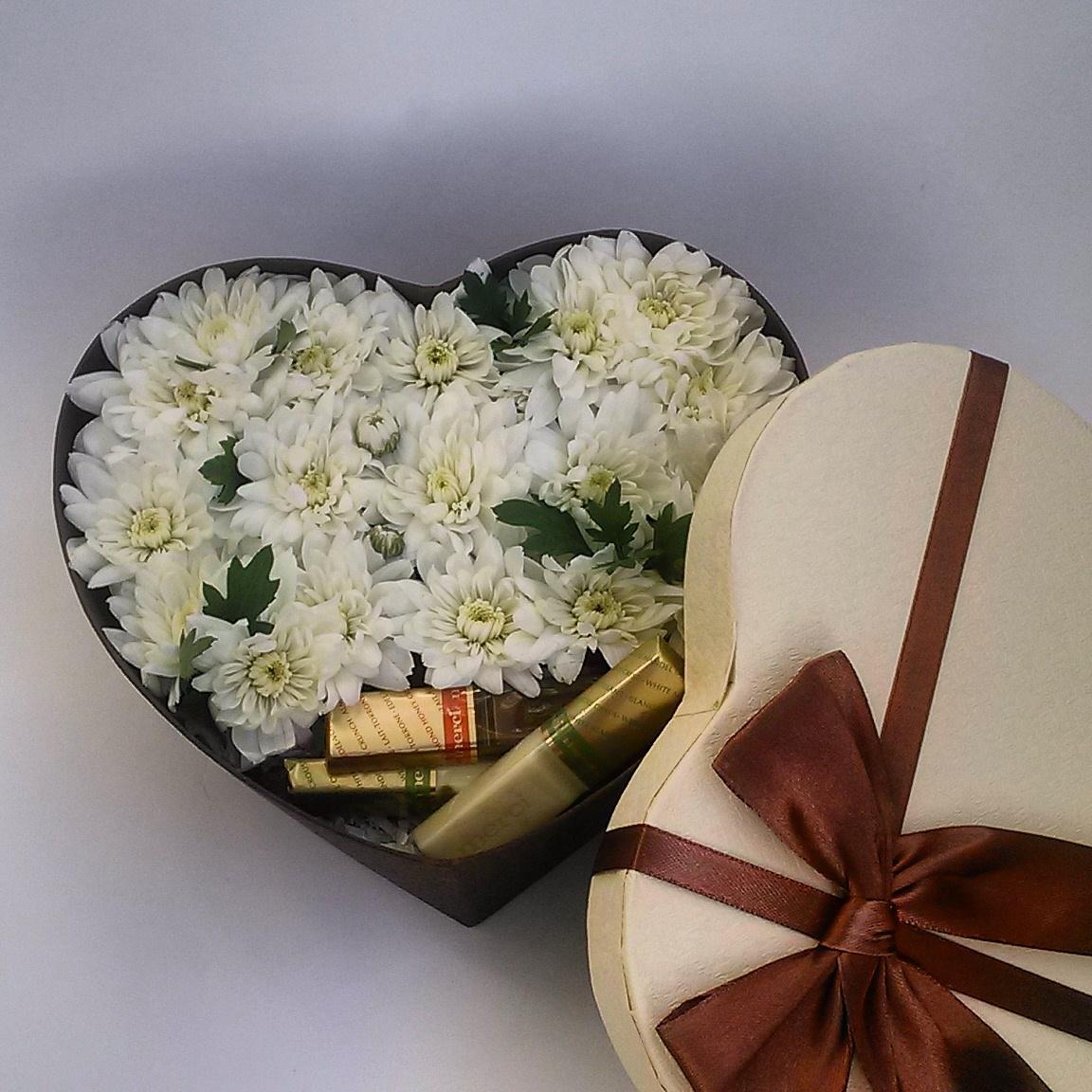 Один цветок в коробочке фото