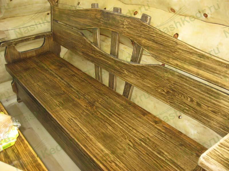 Лавка из дерева со спинкой под старину
