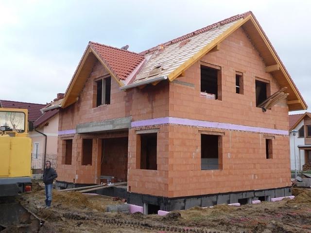 Фото крыш частных домов с мансардой